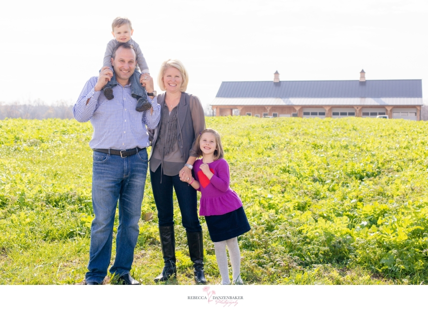 Family photo on a farm in Northern Virginia