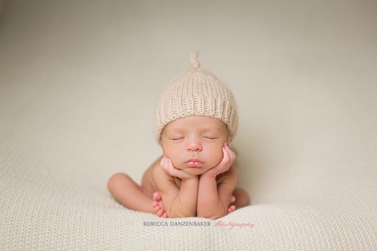 Rebecca Danzenbaker is the premier newborn photographer in Loudoun County, VA
