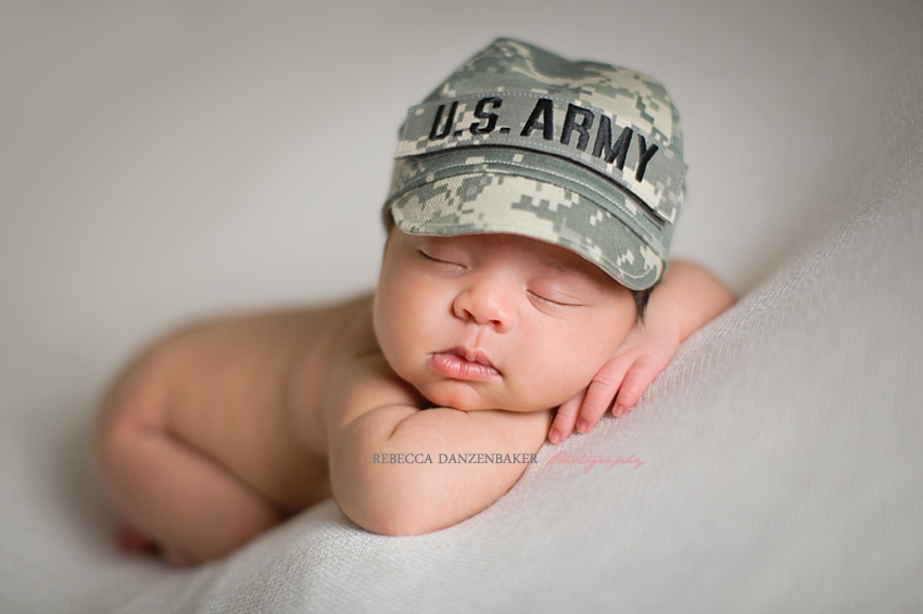 newborn photographer in brambleton va