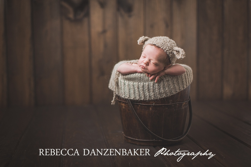 Top newborn photographer in Purcellville VA