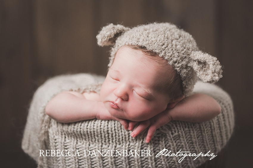 Best newborn photographer in Loudoun VA