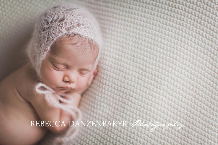 Best newborn photographer in Leesburg VA