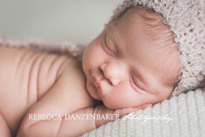 Best newborn photographer in Ashburn VA