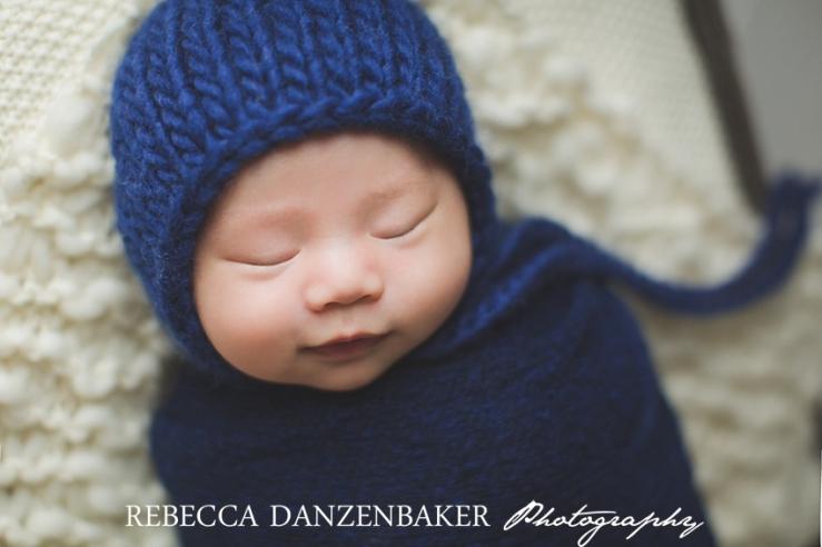 Top newborn photographer in Aldie VA
