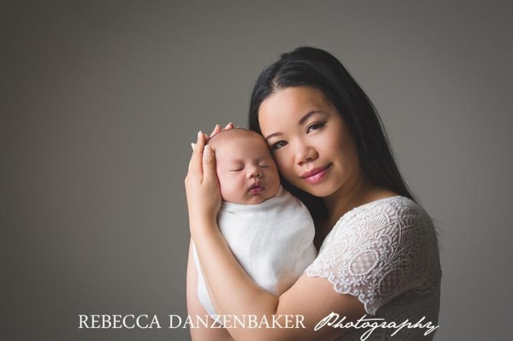 Newborn photographer in Ashburn Virginia